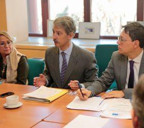 Desayuno de prensa, con los eurodiputados Inmaculada Rodríguez-Piñero y José Ignacio Salafranca