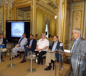 Fernando Labrada introduce a la segunda mesa redonda