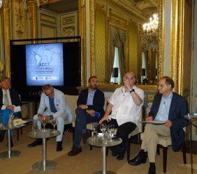 Segunda mesa redonda: Ricardo Vaca, Fernando R. Lafuente, Juan Carlos Lossada, Antonio Saura y Fernando Lara