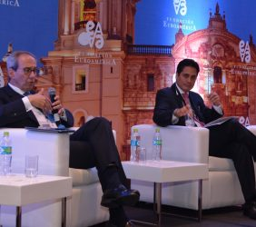 José Manuel González-Páramo, Consejero Ejecutivo de BBVA; Carlos H. Montoro, Director de Política Macroeconómica y Fiscal, Perú, y José Luis López-Martín, Director Latam Norte Prosegur Seguridad