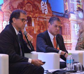 F. Italo Ísmodes, Ministro de Energía y Minas; Julio Cesar Pardo Arias, Director de Operaciones de Gas Natural Fenosa Perú, y Véronique Hyeulle, Consejera de Desarrollo Sostenible Global, Comisión Europea