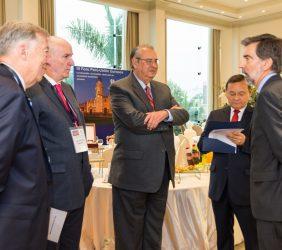 Carsten Moser, Vicepresidente de la Fundación Euroamérica; Embajador José Antonio García Belaunde; Embajador Alan Wagner, y Nestor Popolizio, Ministro de Relaciones Exteriores del Perú, y Ernesto de Zulueta, Embajador de España