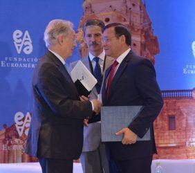 Saludo de Angel Durández al Ministro Nestor Popolizio, en presencia del Eurodiputado José Ignacio Salafranca