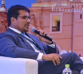 Alberto Ñecco, Director Ejecutivo de Proinversión, Perú