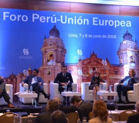 2ªjornada. Segunda sesión: Europa y el Perú, una colaboración estratégica de comercio y de inversión (Francis Stenning de Lavalle, Alberto Ñecco, Diego Mellado, María Peña y Luis Bustamante Belaunde)