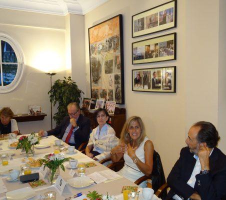 Luisa Peña, José María Beneyto, Victoria Eugenia Pauwels, Núria Cabutí y Carlos López Blanco