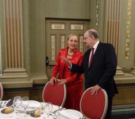 Benita Ferrero-Waldner y Carlos de Icaza