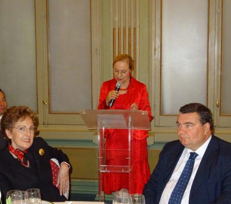 Roberta Lajous, Benita Ferrero-Waldner [en atril] y Óscar Díaz-Canel