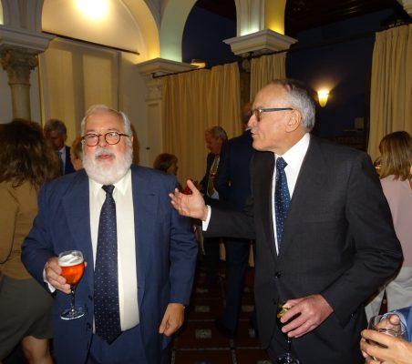 Miguel Arias Cañete y Julián Martínez-Simancas