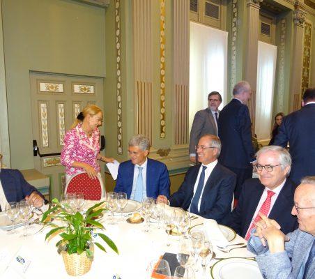 Miguel Arias Cañete, Benita Ferrero-Waldner, Pablo de Carvajal, Miguel Antoñanzas, Carlos Gómez-Múgica y Josep Piqué