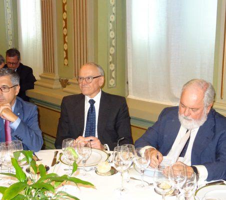 Hugo A. Morán, Julián Martínez-Simancas y el Comisario Arias Cañete