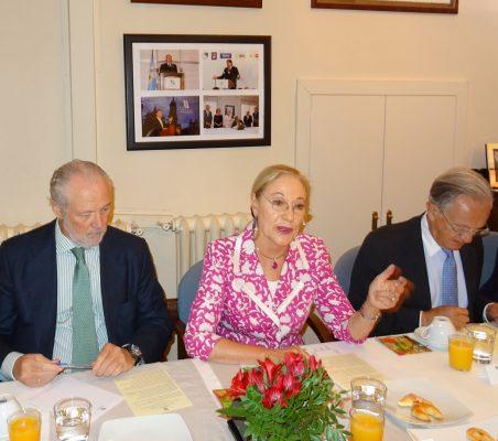 José Luis López-Schümmer, Benita Ferrero-Waldner y Ángel Durández