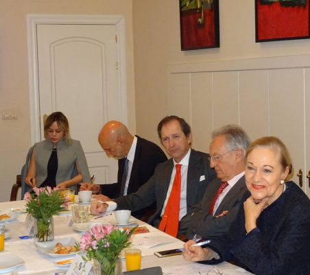Erika Salazar, Eduardo Pérez del Solar, Borja Baselga, Ángel Durández y Benita Ferrero-Waldner