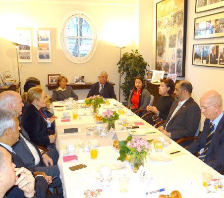 Desayuno-coloquio con el Embajador de la República Dominicana