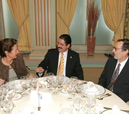 Anunciada Fernández de Córdova, Manuel Zelaya y Emilio Cassinello