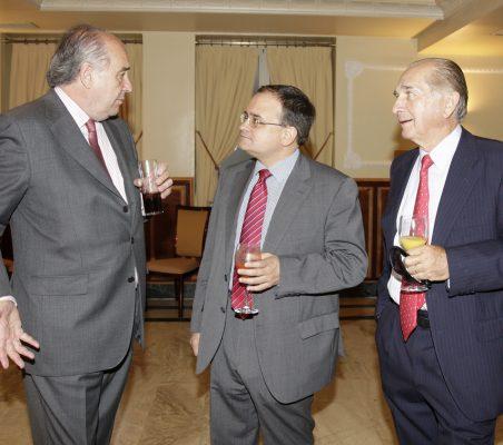 Miguel Vergara, Carlos Álvarez, y Bernard Jeux