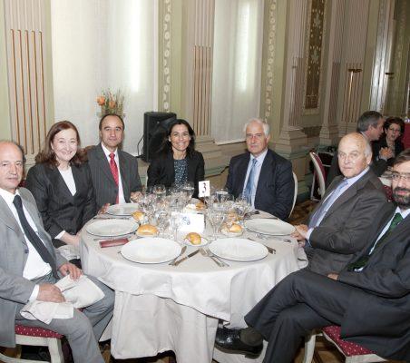 Antonio Sánchez Bustamante, Petra Mateos, Jacinto López Sánchez, Cristina Amor, Alfonso Martínez de Irujo, Antonio de Oyarzábal y Claudio Garón