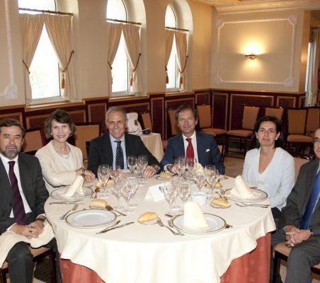 Beatriz   Javier Cos, Asunción Valdés,Ramón Reyes,Borja Baselga,Reguero y Joaquín de la Herrán
