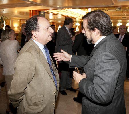 Carlos Gereda, Javier de Cos