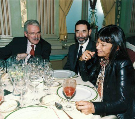 Amadeo Petitbo, Embajador Osmar Chohfi