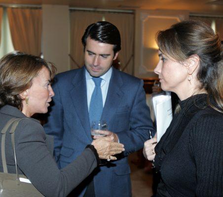 Luisa Peña, Rafael Hoyuela y Patricia Alfayate