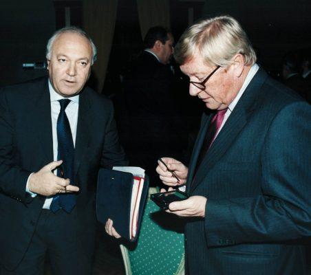 Miguel Ángel Moratinos  y Embajador de los Países Bajos