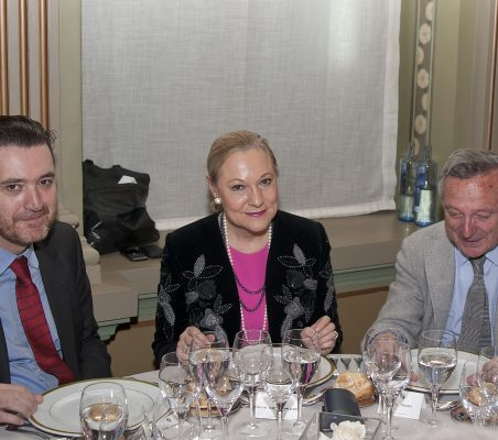 Miguel Zugaza, Benita Ferrero-Waldner y Rafael Moneo