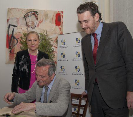 Benita Ferrero-Waldner, Rafael Moneo y Miguel Zugaza