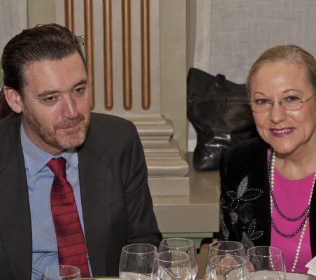 Miguel Zugaza y Benita Ferrero- Waldner