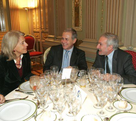 Pilar Tena, Ramón Reyes, y Álvaro Espina