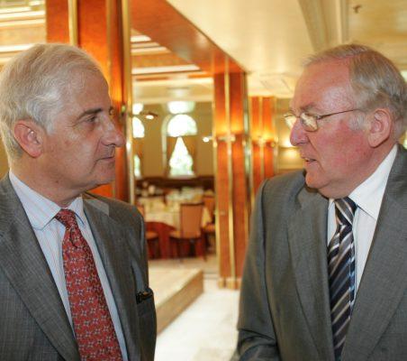 Alfonso Martínez de Irujo y José Luis González Vallvé
