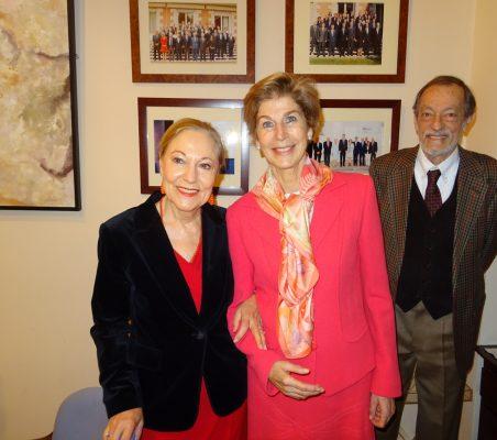 Benita Ferrero-Waldner, Carolina Barco y Emilio Cassinello