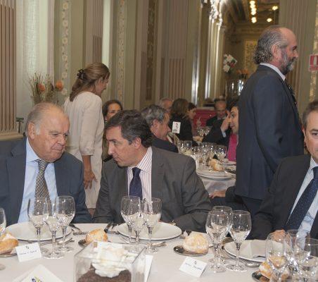 Enrique Iglesias, José Ramón García Hernández y Antonio Ballabriga