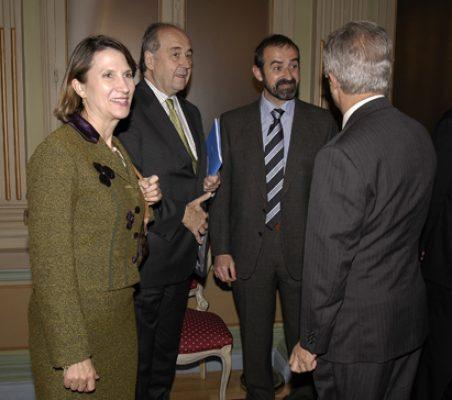 Asunción Valdés y Miguel Vergara con otros invitados