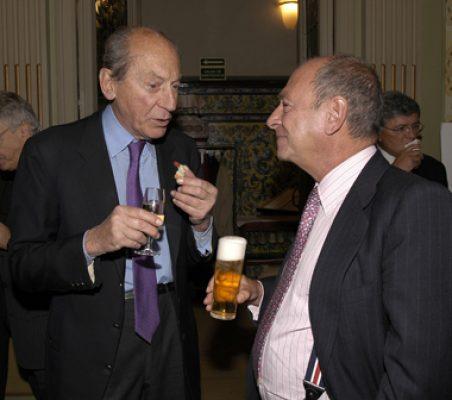 Embajador Raniero Vanni D'Archirafi  y  Carlos González