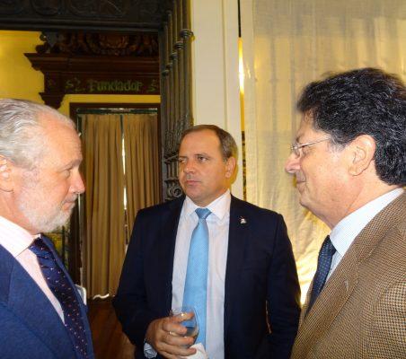 José Luis López Schümmer, Embajador de Cuba y Francisco Fuenzalida