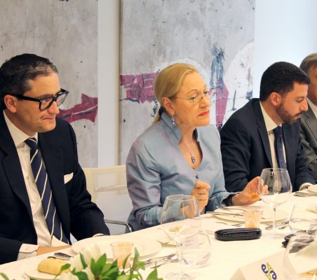 Sergio Romero, Benita Ferrero-Waldner, Javier Rosado y Carsten Moser