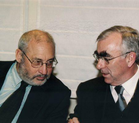 Joseph Stiglitz y Theo Waigel (11)