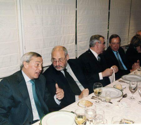 Joseph Stiglitz y Theo Waigel (23)
