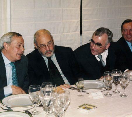 Carlos Solchaga, Joseph Stiglitz, Theo Waigel y Carsten Moser