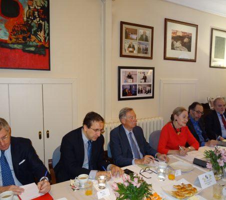Claudio Vallejo, Miguel Arroyos, Carsten Moser, Benita Ferrero-Waldner, Carlos López Blanco y José María Beneyto