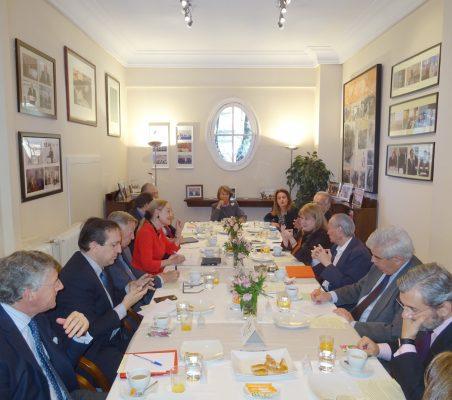 Invitados al desayuno-coloquio con Susana Malcorra