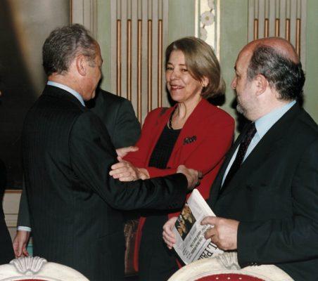 Carlos González, Pilar Tena y Joaquín Almunia