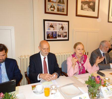 Benjamín Vélez, Eduardo Pérez del Solar, Benita Ferrero-Waldner y José Luis López-Schümmer