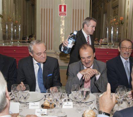 Roberto E. Arango, José Manuel de Riva, Jesús Gracia Aldaz y Emilio Cassinello