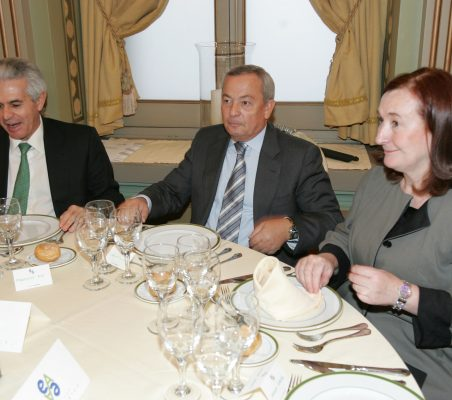 Francisco Ros, Carlos Solchaga y Petra Mateos