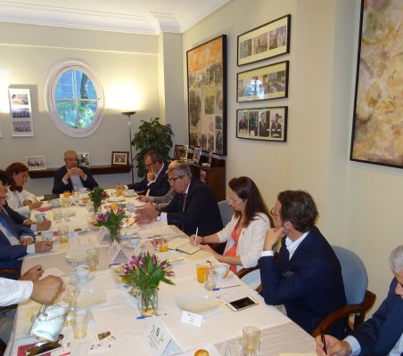 Invitados al desayuno-coloquio con el Presidente del ICO