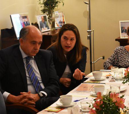 Interviene Mabel Klimt, entre Rafael Sánchez y Luisa Peña