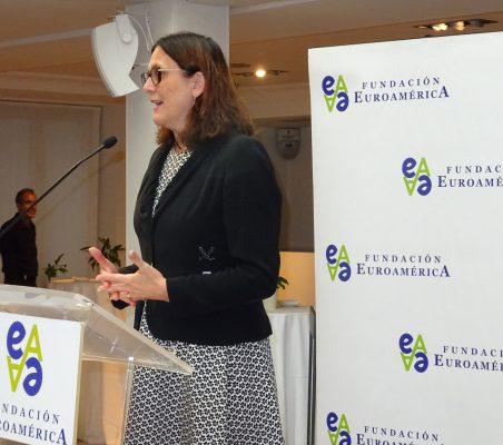 Cecilia Malmström, Comisaria Europea de Comercio, interviene durante el almuerzo-coloquio