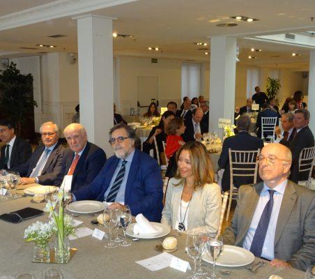 Héctor Flórez, Carlos Gómez- Mújica, José Antonio García Belaunde, Miguel López Quesada, Xiana Méndez y Joquín Almunia